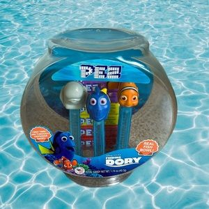 Finding Dory Pez candy collectors gift set
